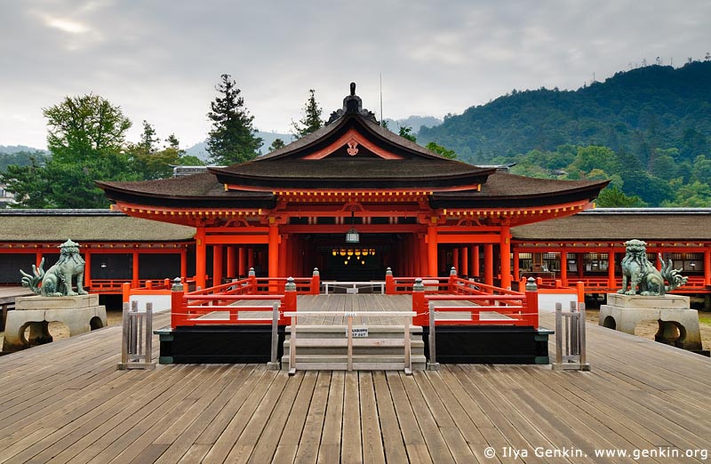shinto-temple-stage
